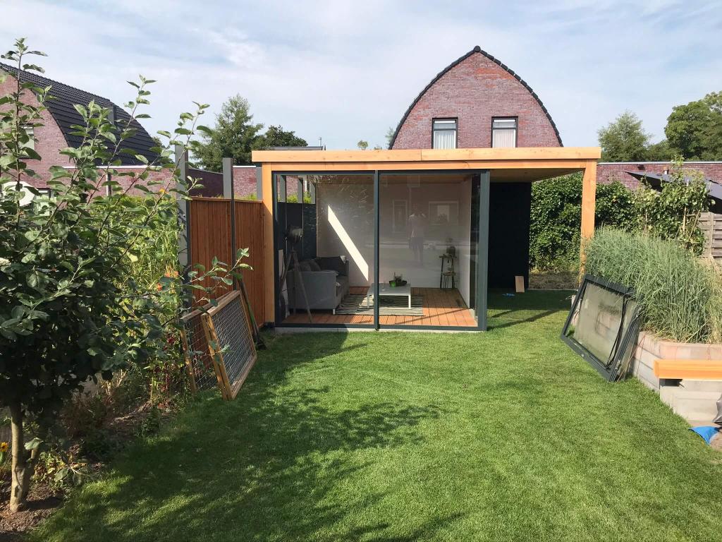 Realisatie tuinkamer met kozijnen